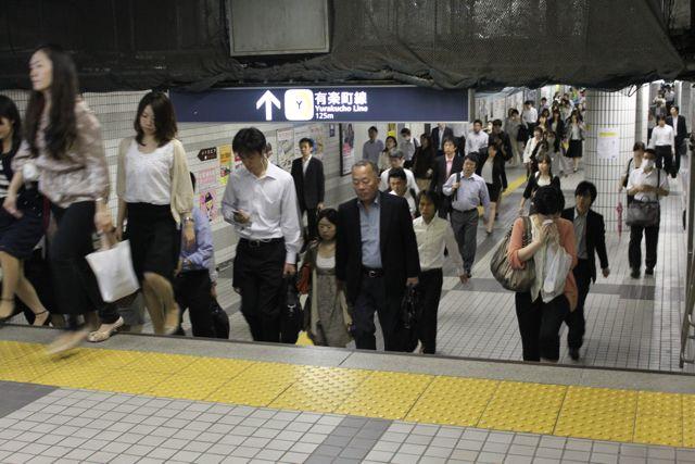 豊洲駅、混雑